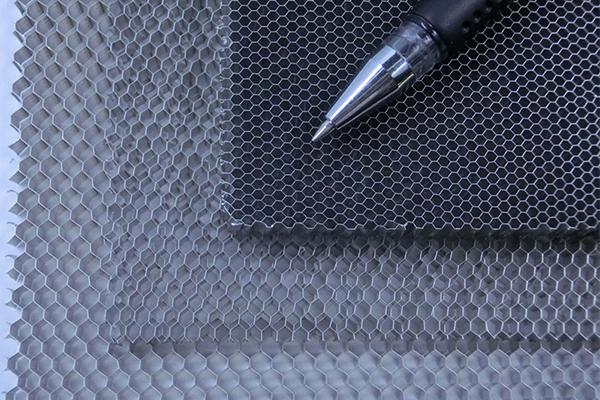 鋁蜂窩芯廠家說鋁蜂窩芯能用于臥室裝飾