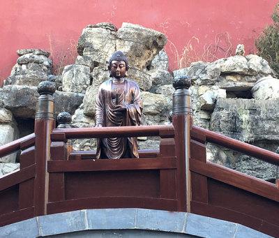 寺廟銅佛像