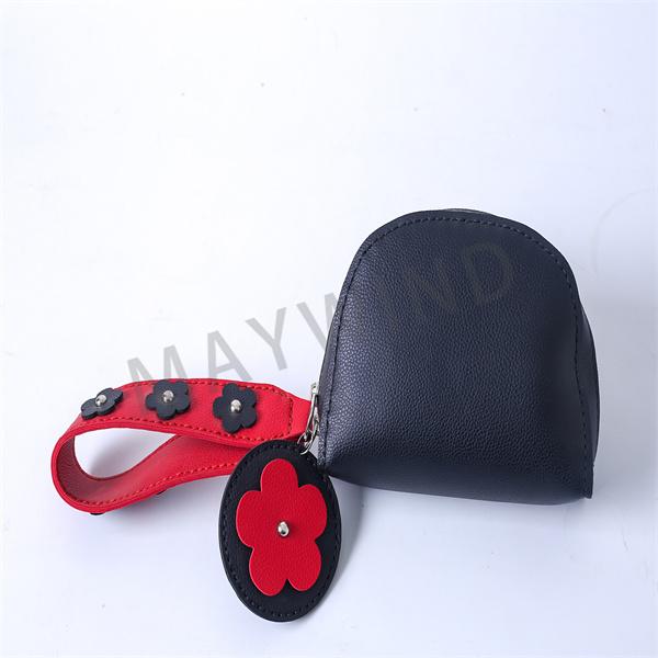 DIY手工缝制小花包-黑红色