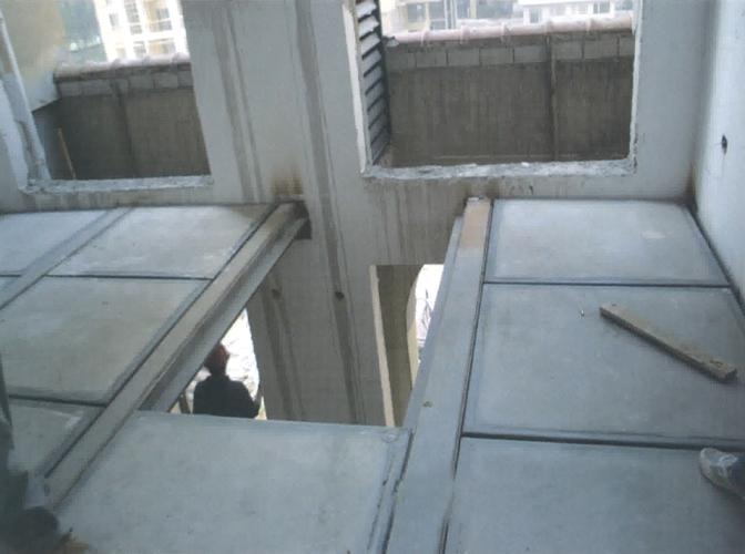 钢骨架轻型夹层板