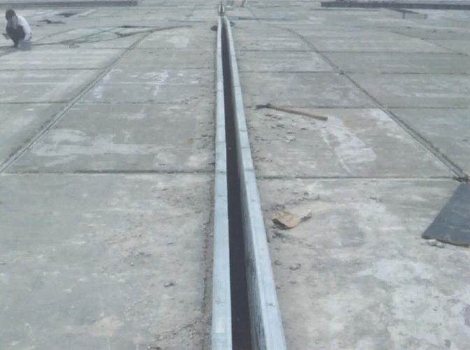 钢框骨架轻型天沟板