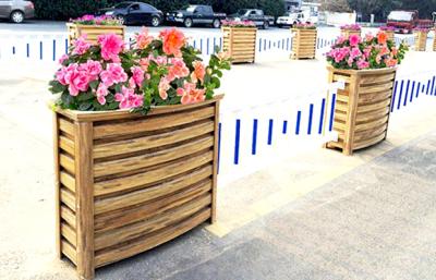 防腐木制木屋由木質材料組成