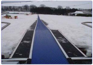滑雪場魔毯