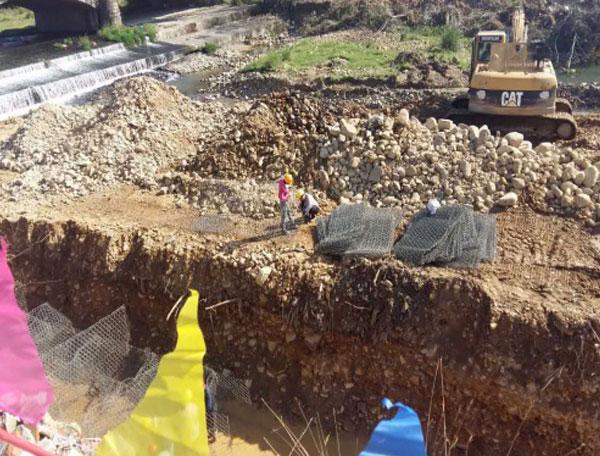 铅丝石笼施工