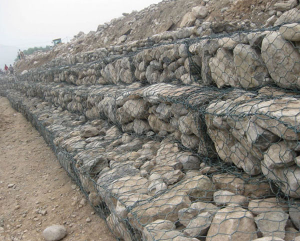 10%锌铝固滨石笼