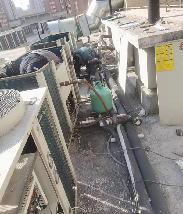 空氣能機組維修清洗