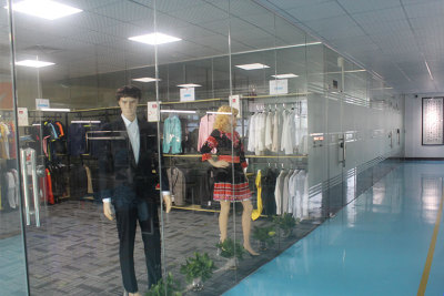 服装展示区