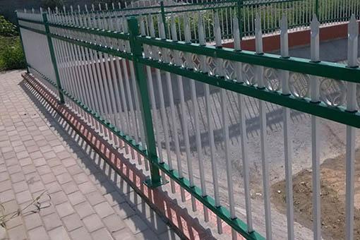 鋅鋼隔離欄