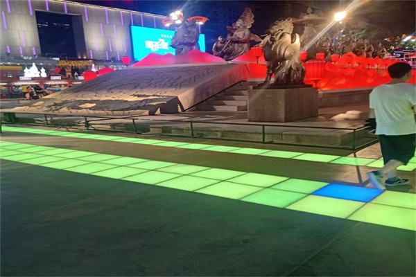 led感應地磚燈工廠
