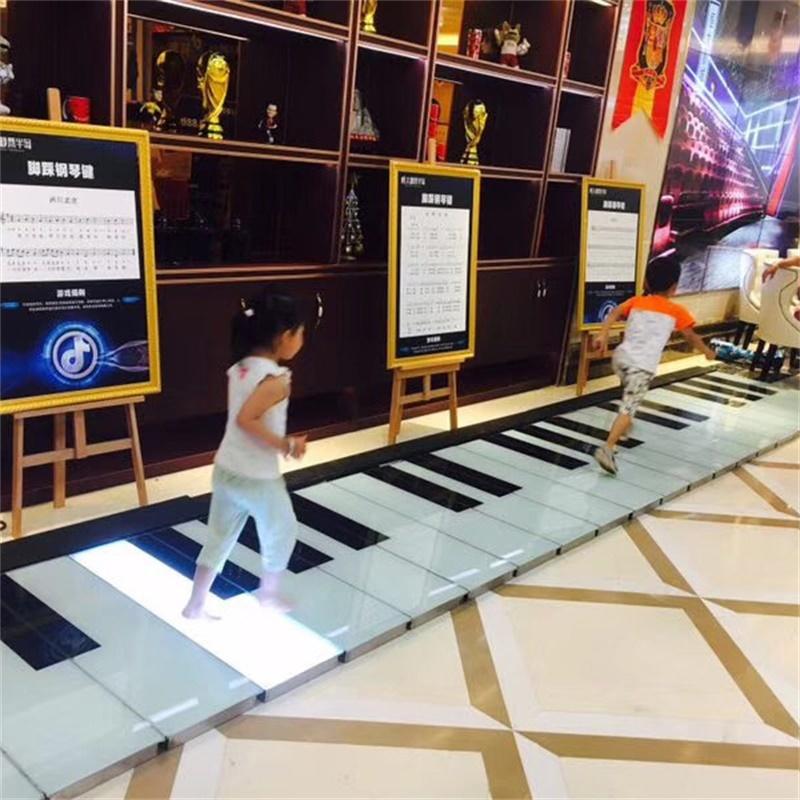 鋼琴地磚燈