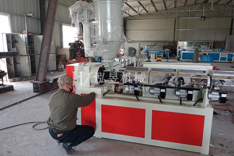 PVC軟管設備傳動系統的組成