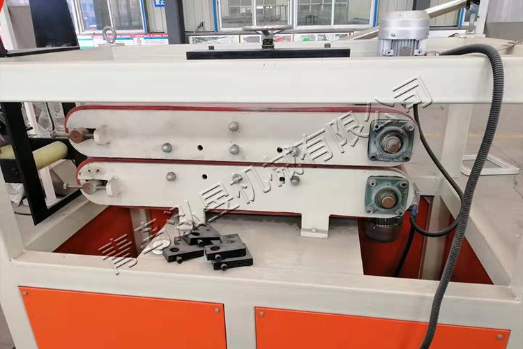 PVC纖維增強軟管設備介紹