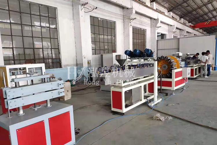 PVC纖維增強軟管生產設備