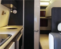 依維柯房車帶廚房衛生間一體化設計