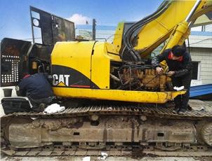 挖掘机整备翻新