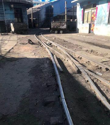 ?輕重軌道岔廠家簡述鐵路器材之彈性扣件!