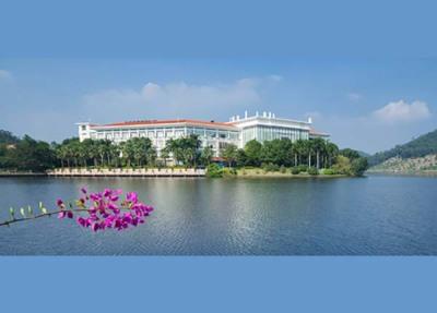 東莞塘廈三正半山酒店