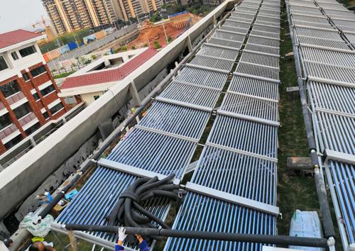 南寧市五象新區體強中學太陽能空氣能熱水項目