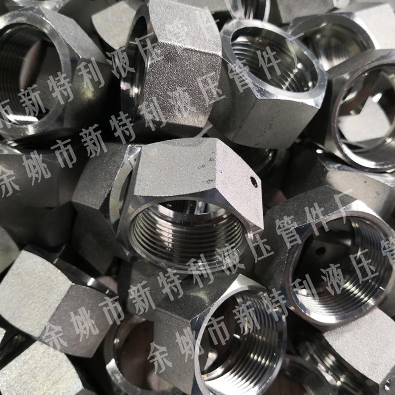 牢固的金属软管接头具有了维护输电线路的功效