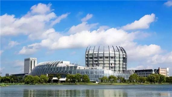 新華藝術高級中學 | 學在新華,帶你去看美麗的校園風景!