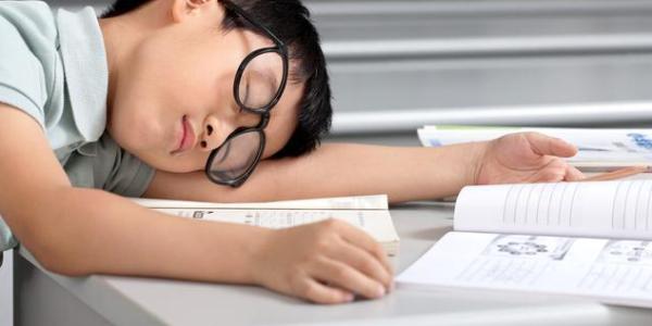 國務院:對中小學生作業、睡眠、手機、讀物、體質管理加強督導