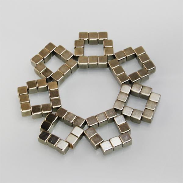 方形磁铁块