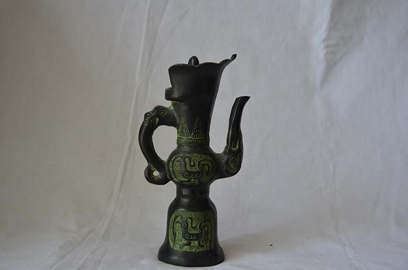 仿古青铜器