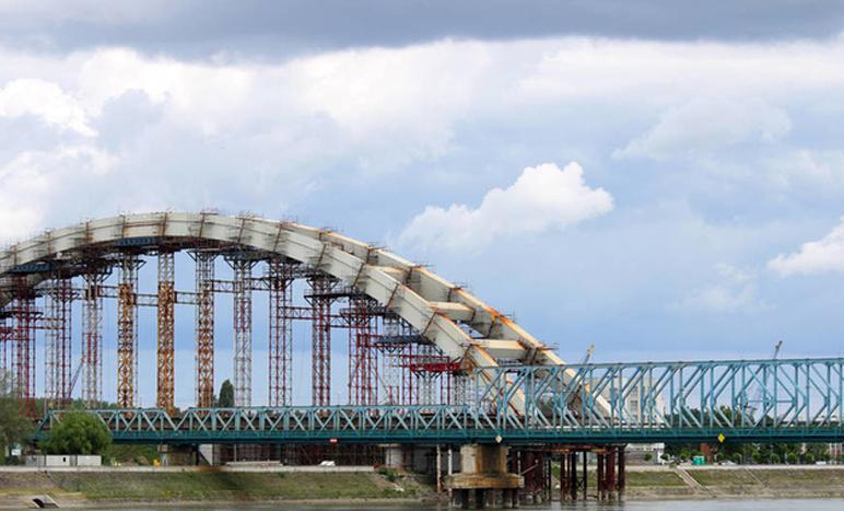 跨江大桥栏杆工程项目