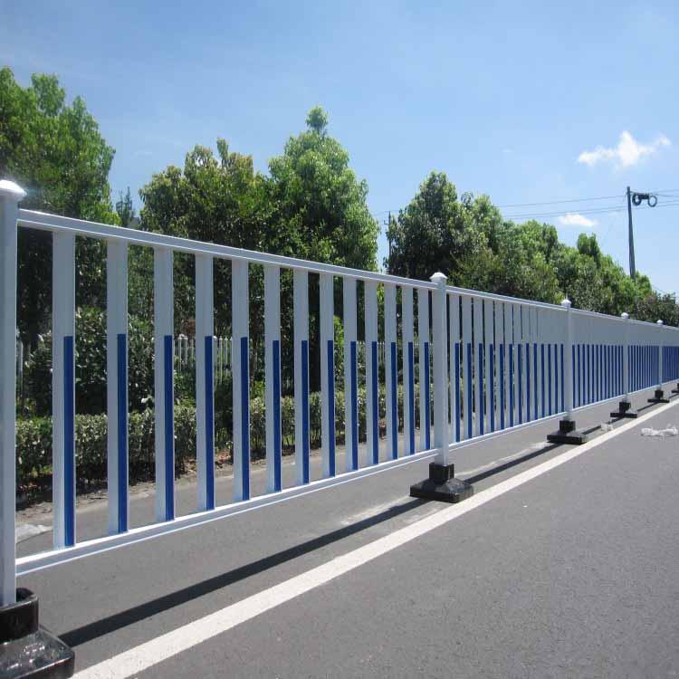 选择优质的道路护栏三大要素