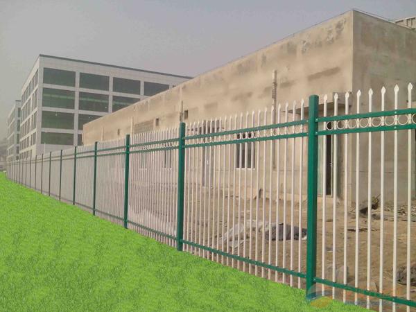 襄阳草坪护栏安装便捷并且有着较长的使用寿命
