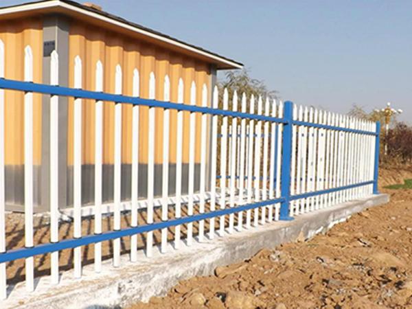 襄阳围挡中锌钢护栏主要有哪些规格