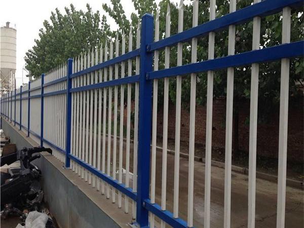 襄阳厂家带你了解铁艺护栏清洗要求