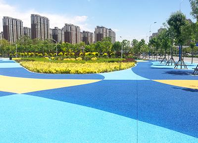 彩色透水地坪廠家告訴您透水地坪的特點有哪些?