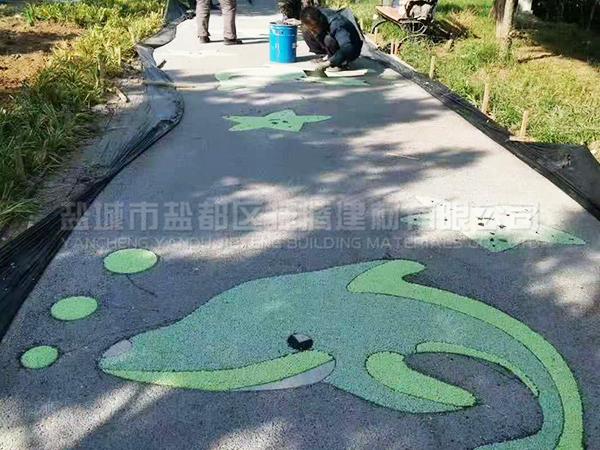 膠粘石路面