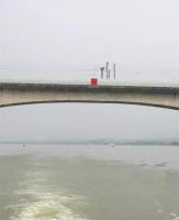 桥梁助航标志