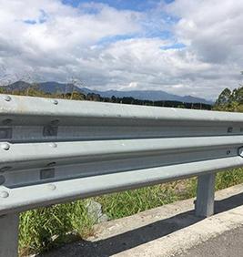 山東波形護欄板