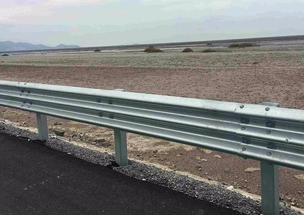 高速護欄板