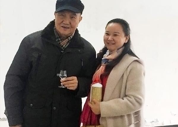 羅學艷和曾祖訓高工(左一)