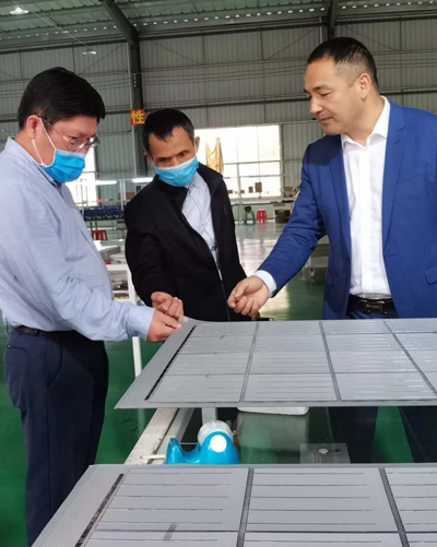 Leaders of the development and Reform Commission of Lingshan County visited our company for inspection and guidance