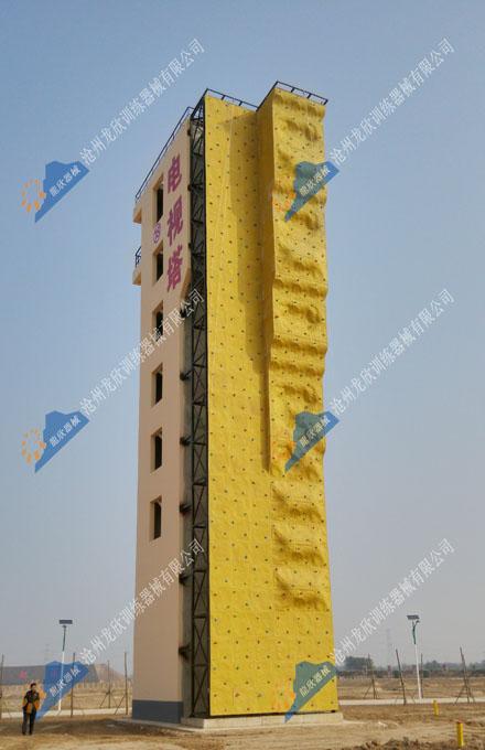 武警天津总队青县基地攀岩墙等训练器械建成并投入使用