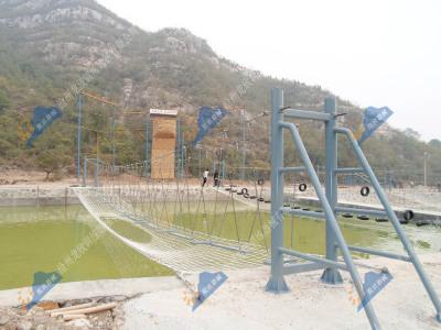 水上拓展设施-浪板桥