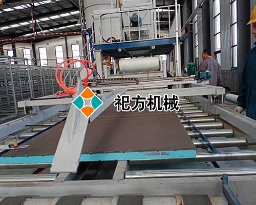 泰安全自动复合保温模板生产线